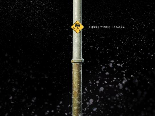 Acura Print Ad - Slippery Road