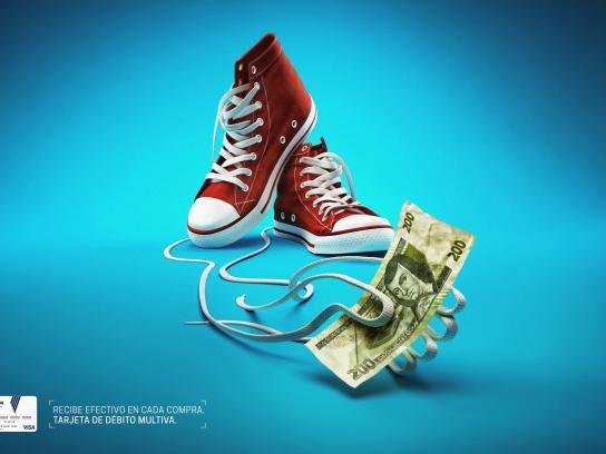 Banco Multiva Print Ad -  Sneakers