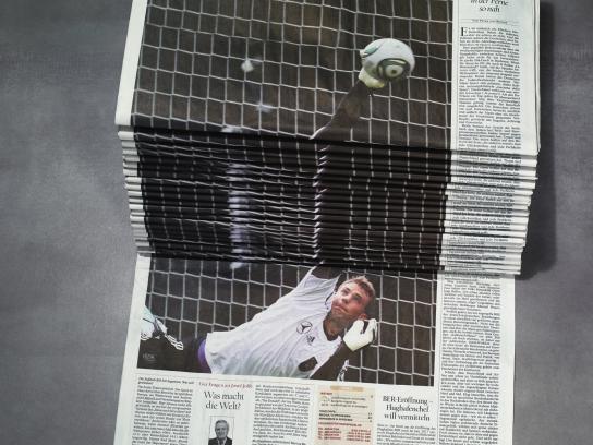 Der Tagesspiegel Print Ad - Soccer