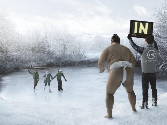 TNT Print Ad -  Ice rink