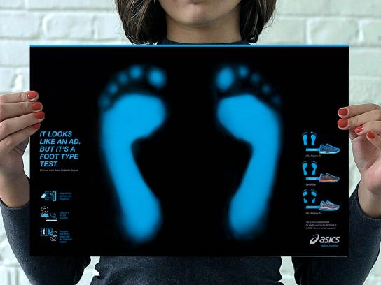 ASICS Print Ad - Foot Type Test