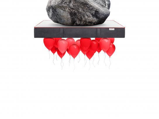 YUMI Outdoor Ad - Sleep on both sides - balloon