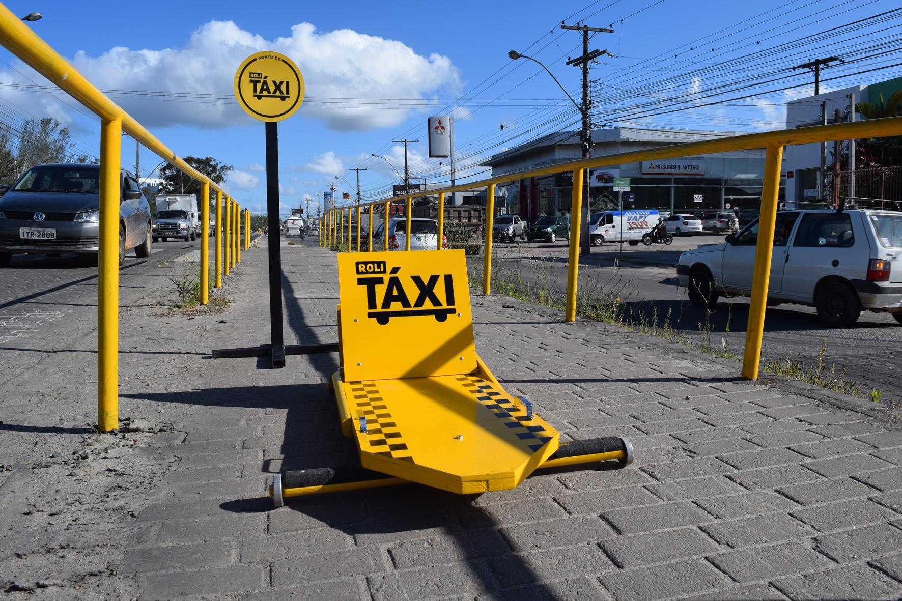 Biscoitos Zezé Ambient Ad - Roli taxi