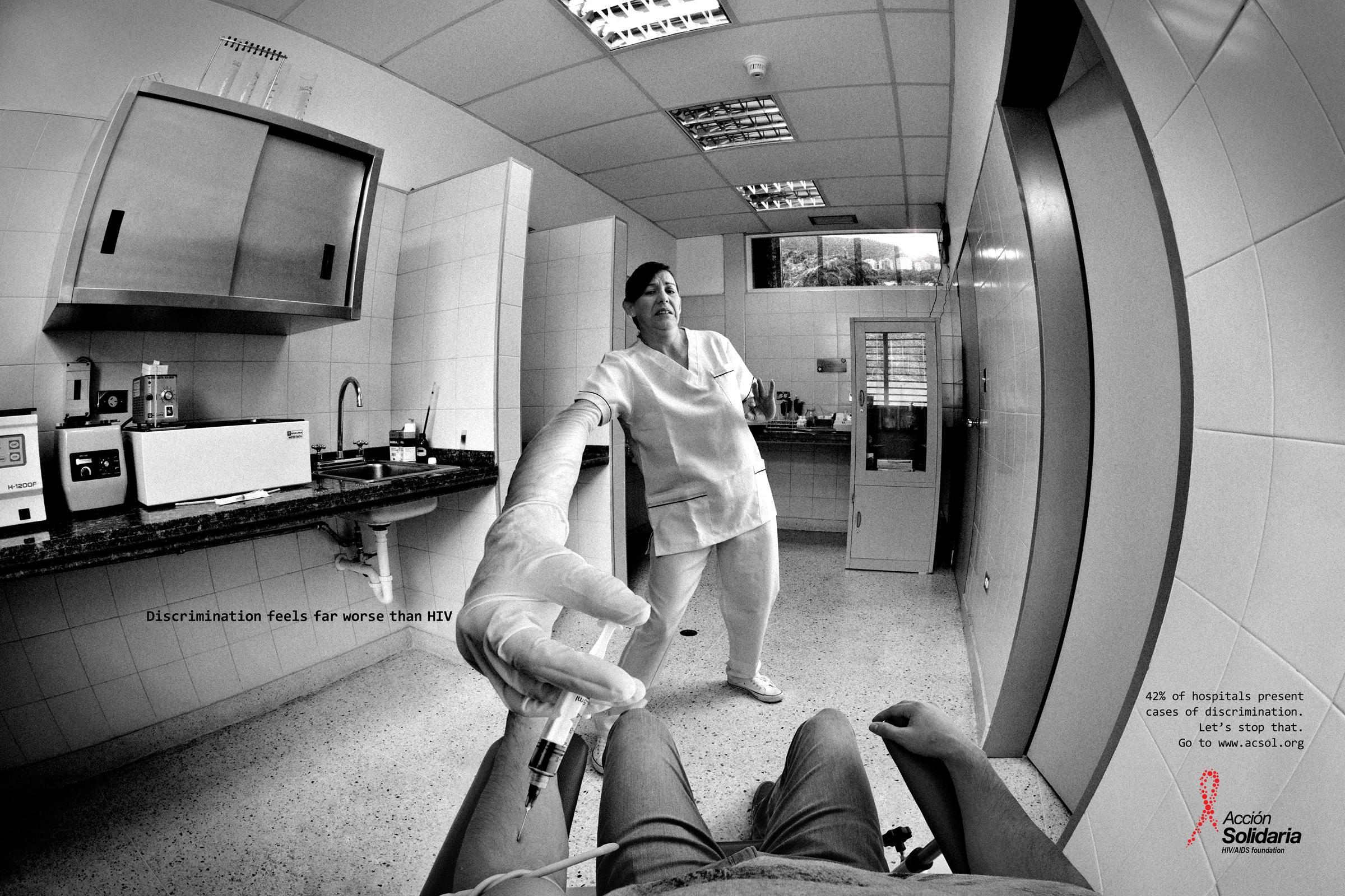 Acción Solidaria Print Ad -  Nurse