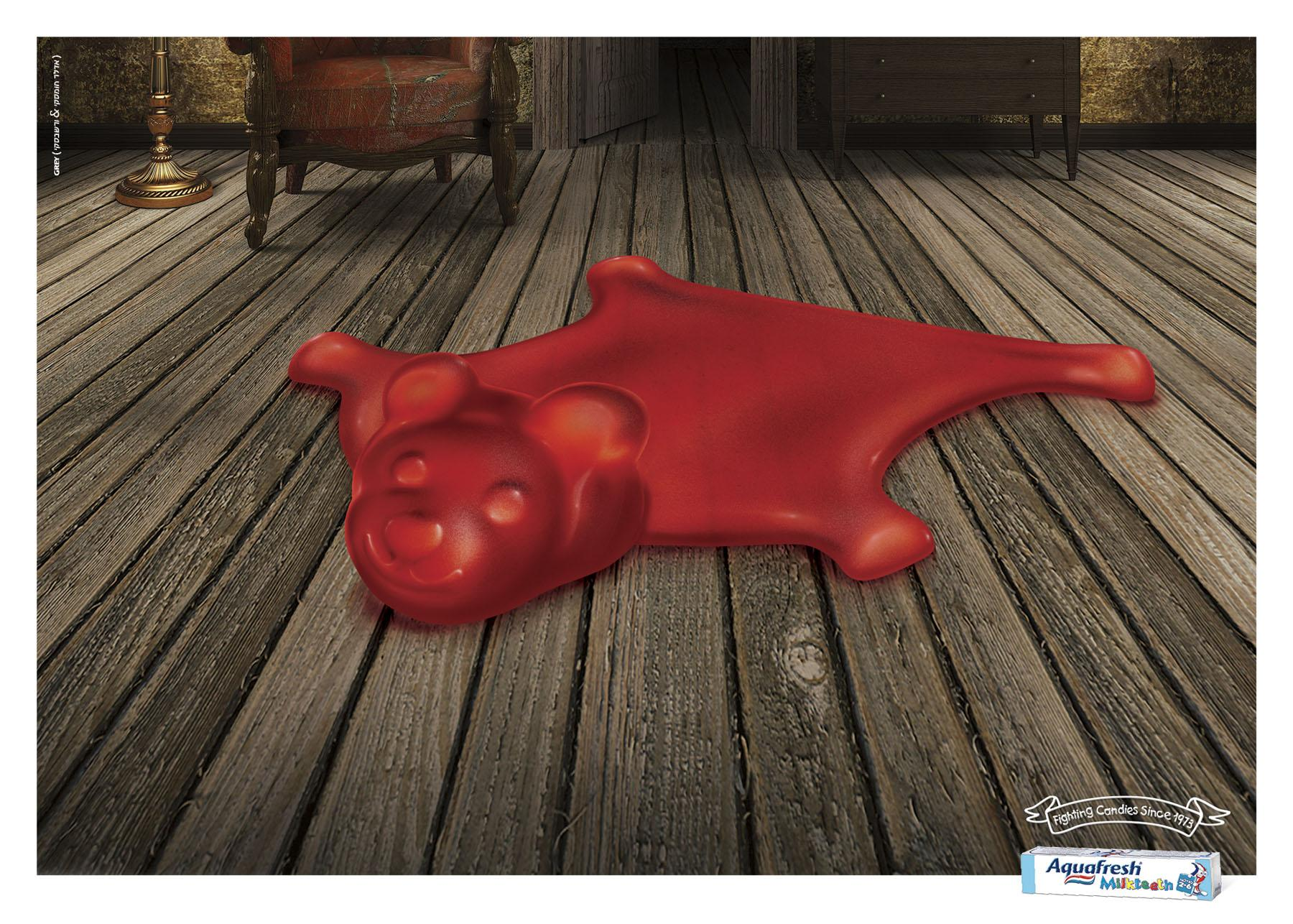 Aquafresh Print Ad -  Gummy bear