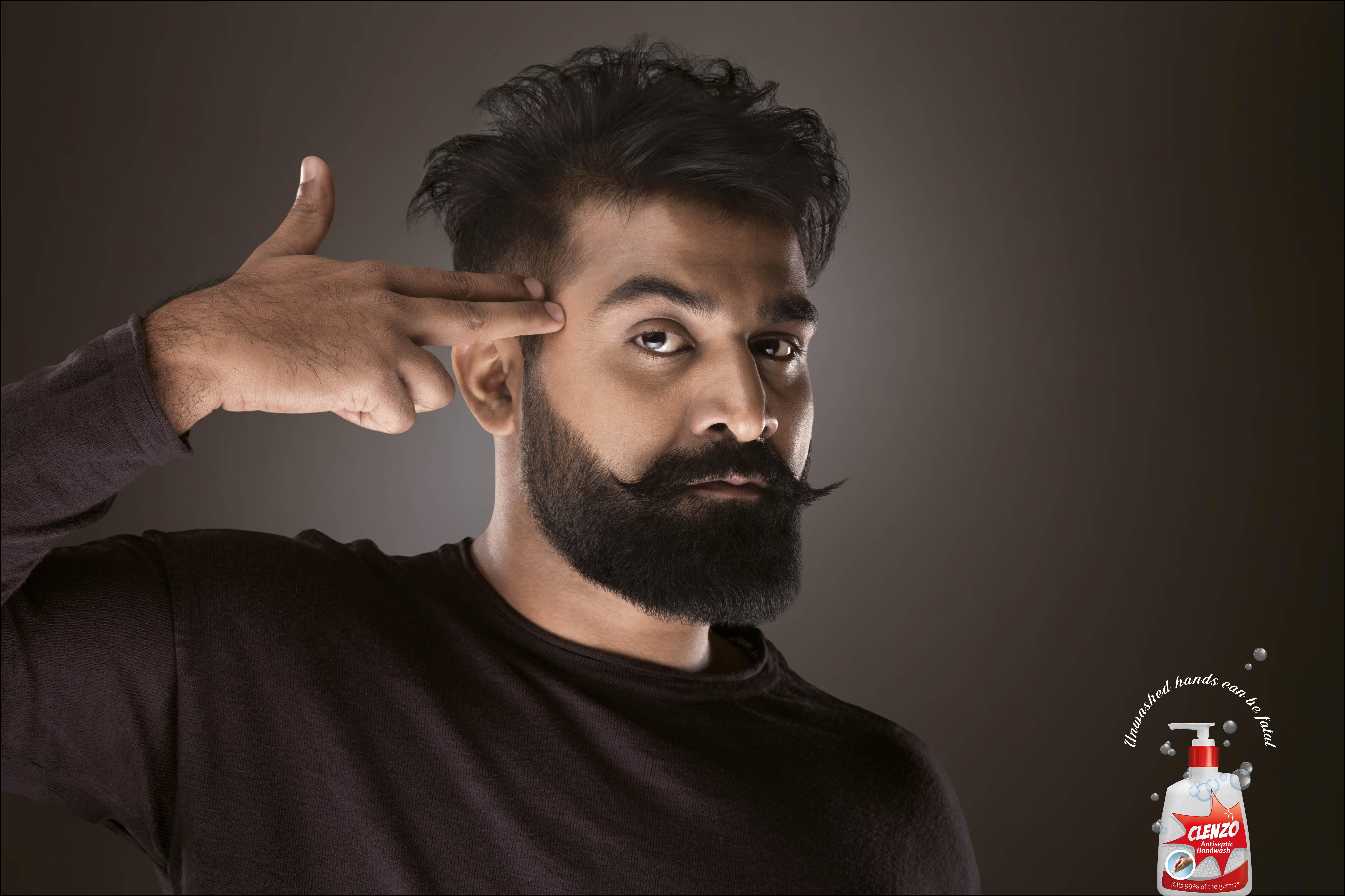 Clenzo Print Ad - Fatal hands - man