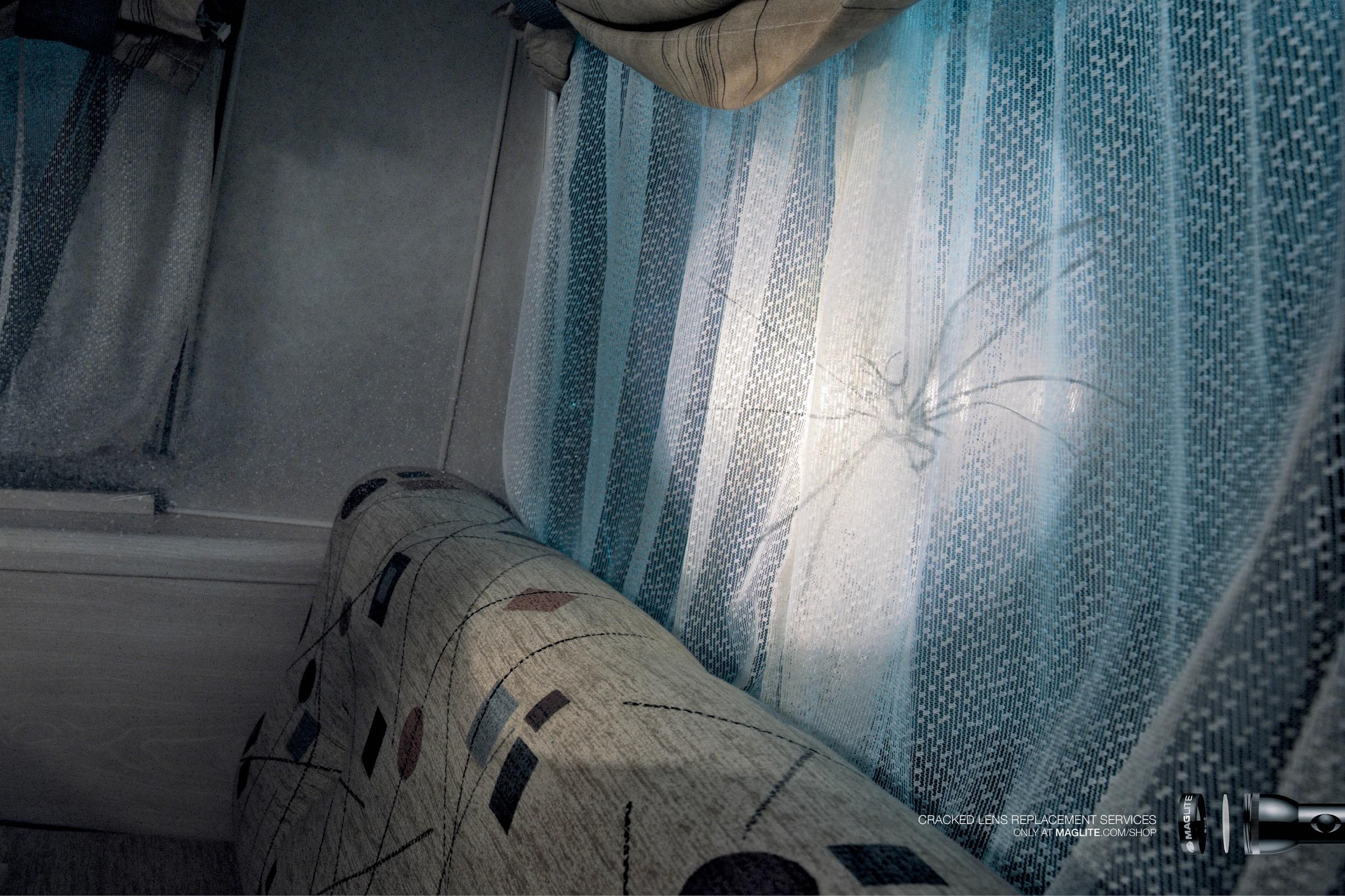 Maglite Print Ad - Spider