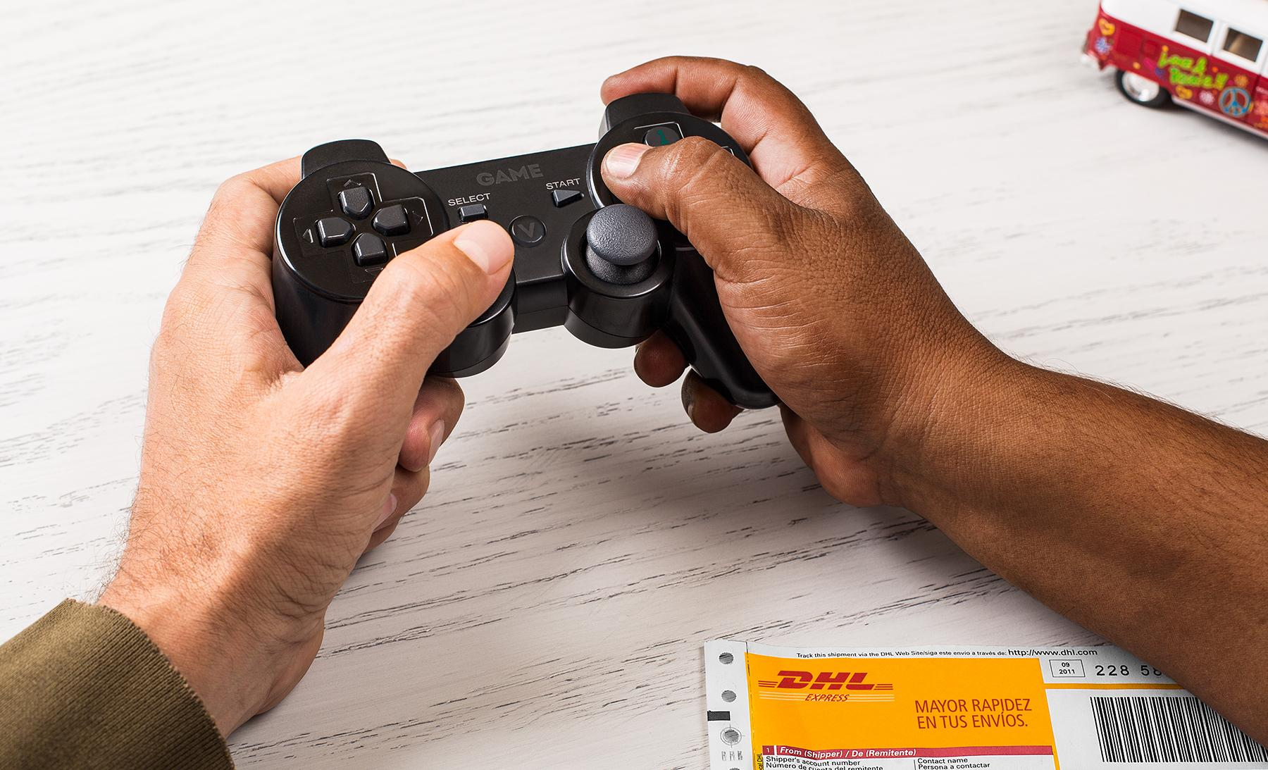 DHL Print Ad -  Controller