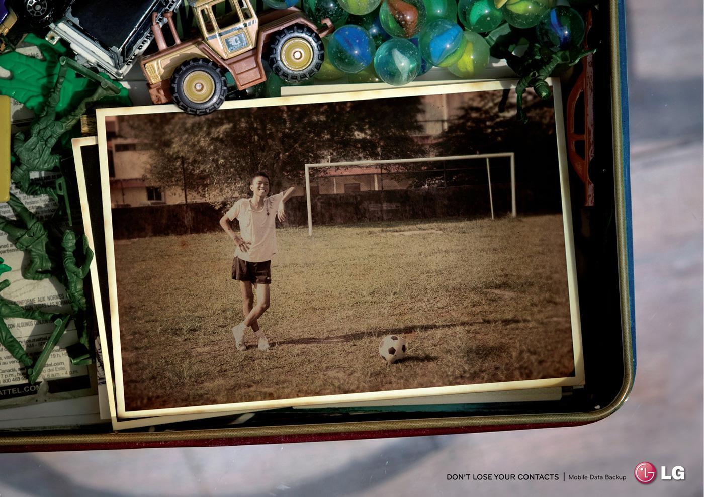 LG Print Ad -  Football