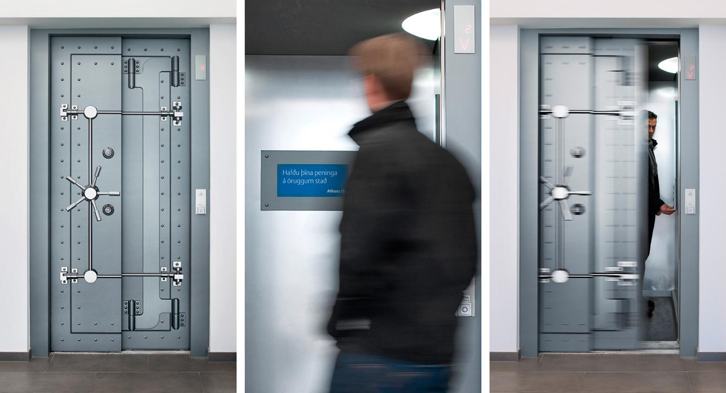 Allianz Ambient Ad -  Elevator