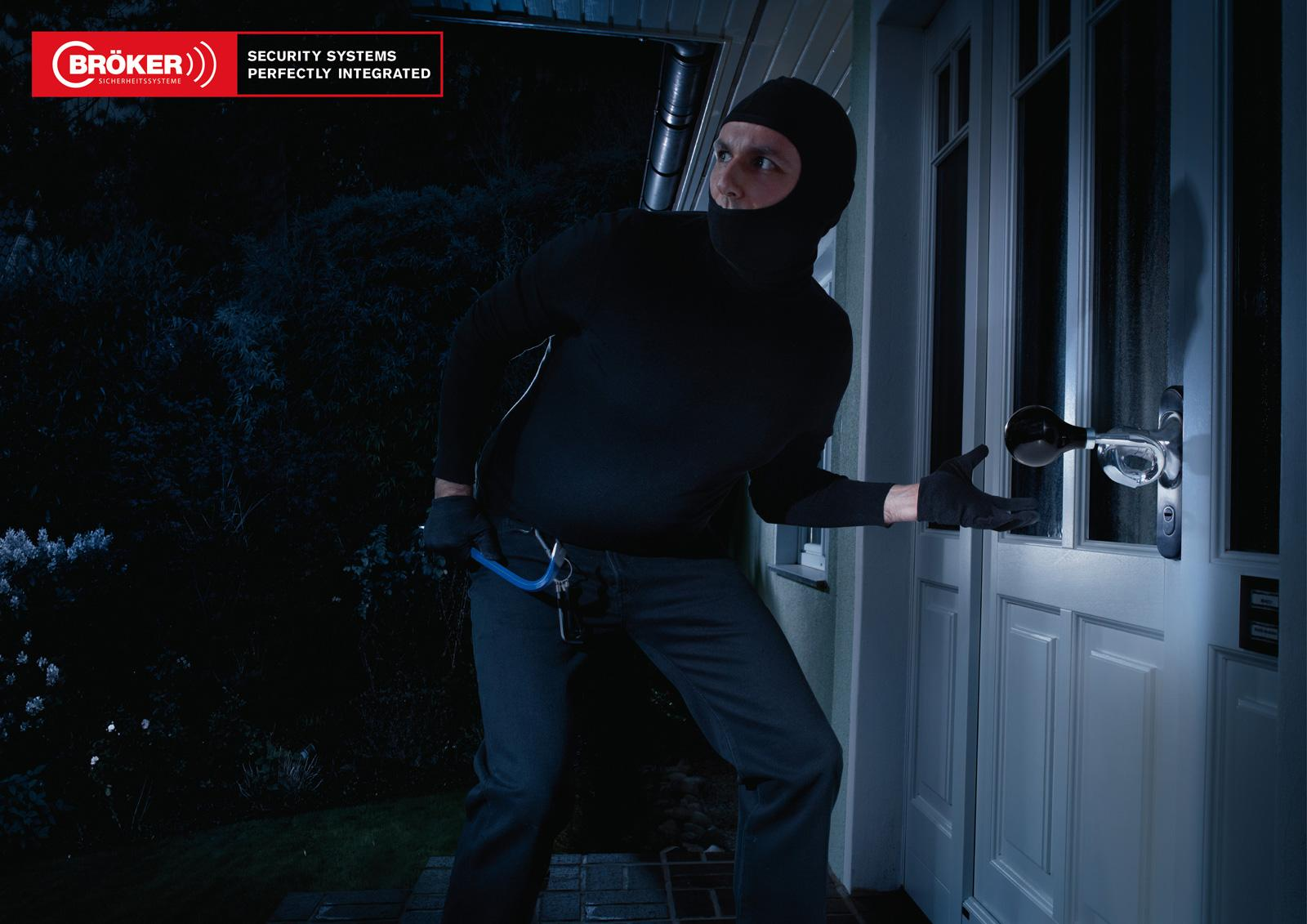 Bröker Security Systems Print Ad -  Burglars, Horn