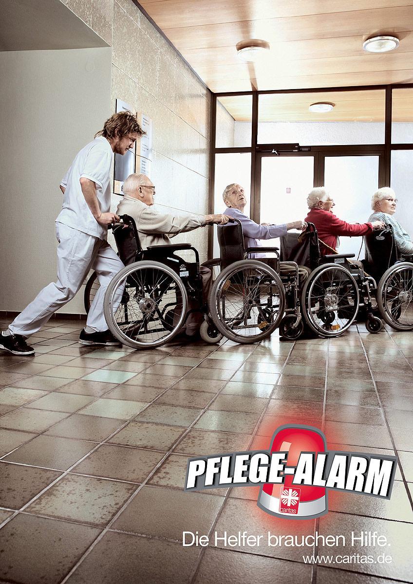 Caritas Print Ad -  Wheelchair-queue