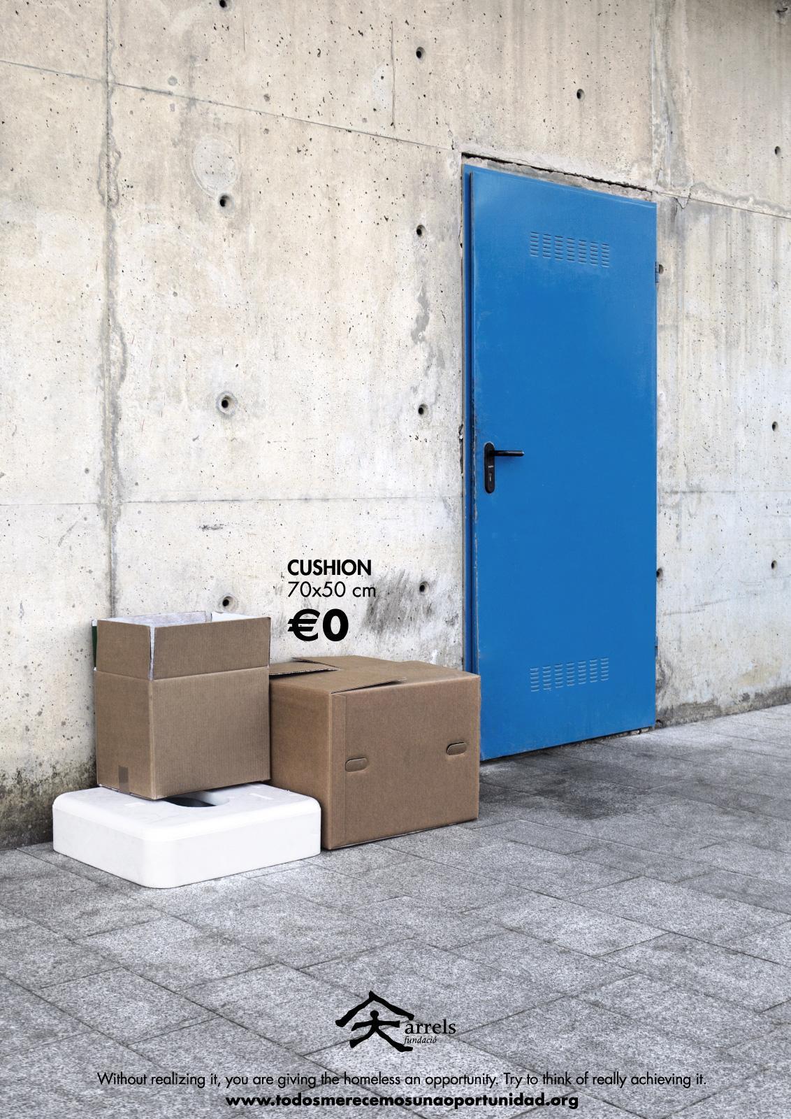 Arrels Foundation Print Ad -  Cushion