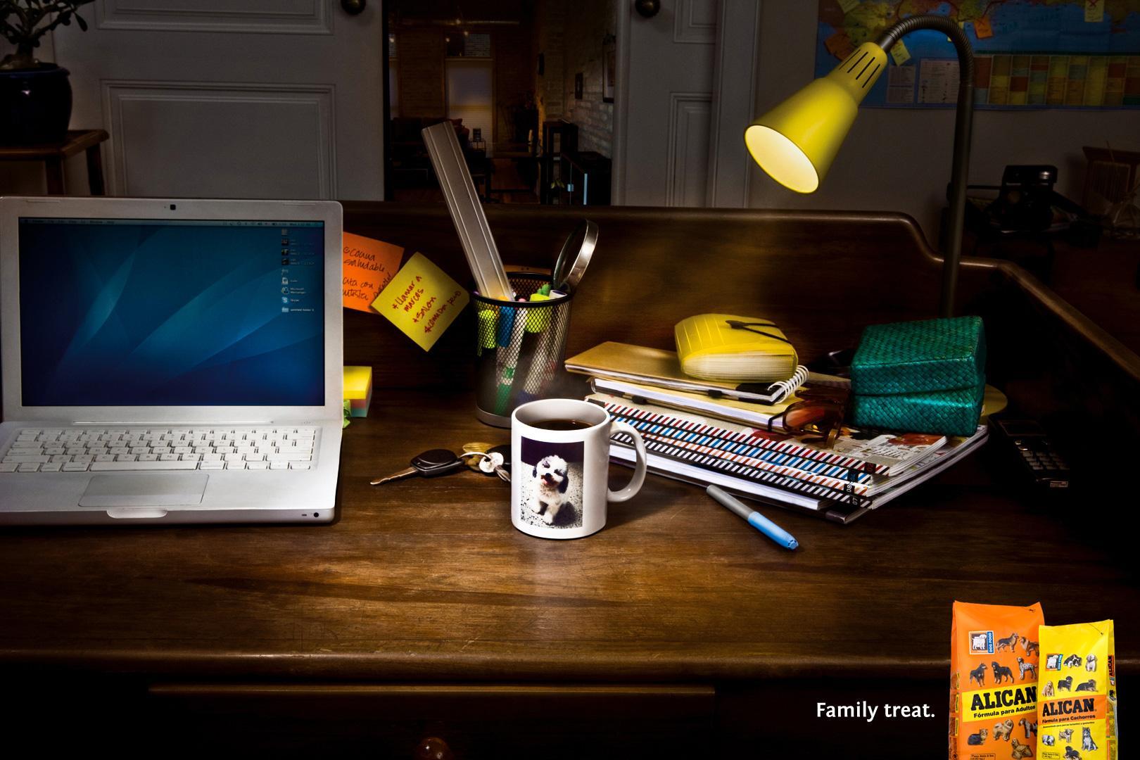 Alican Print Ad -  Family treat, Desk