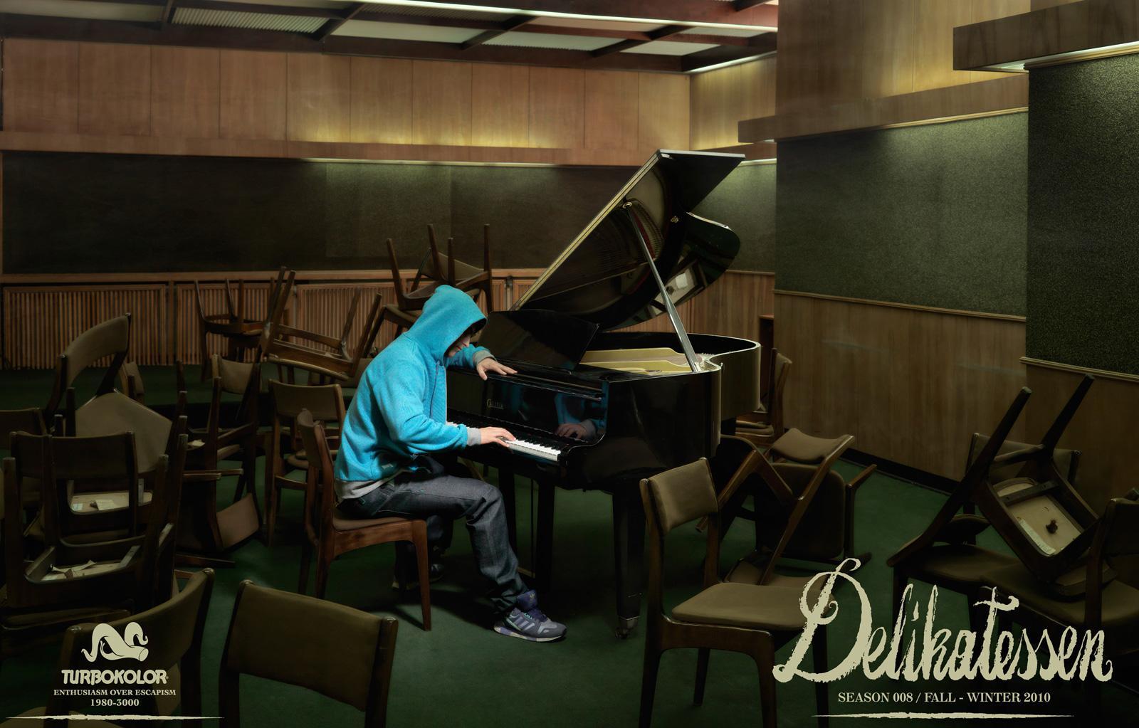 Turbokolor Print Ad -  Delikatessen, Piano