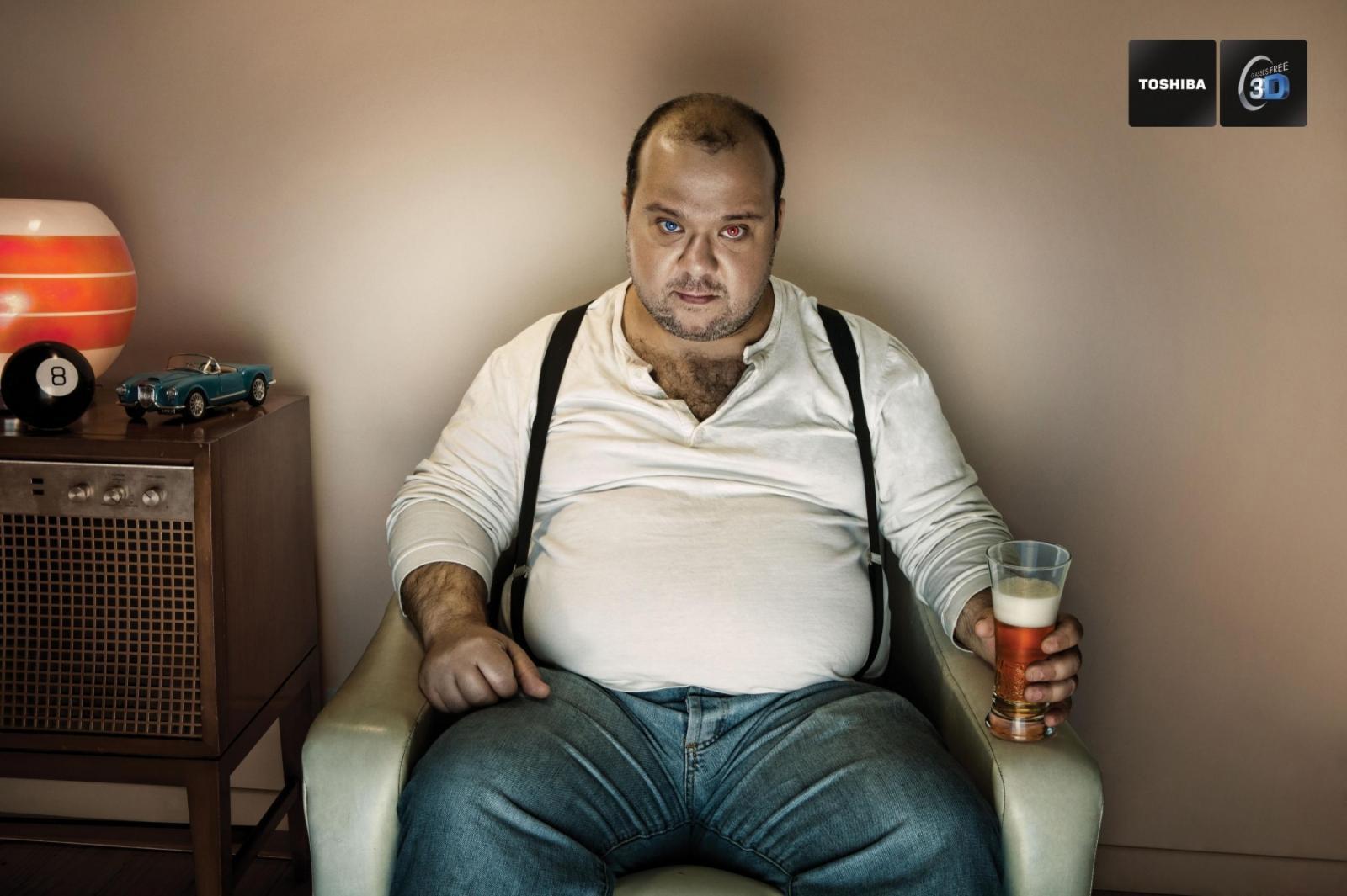 Toshiba Print Ad -  Fat Man
