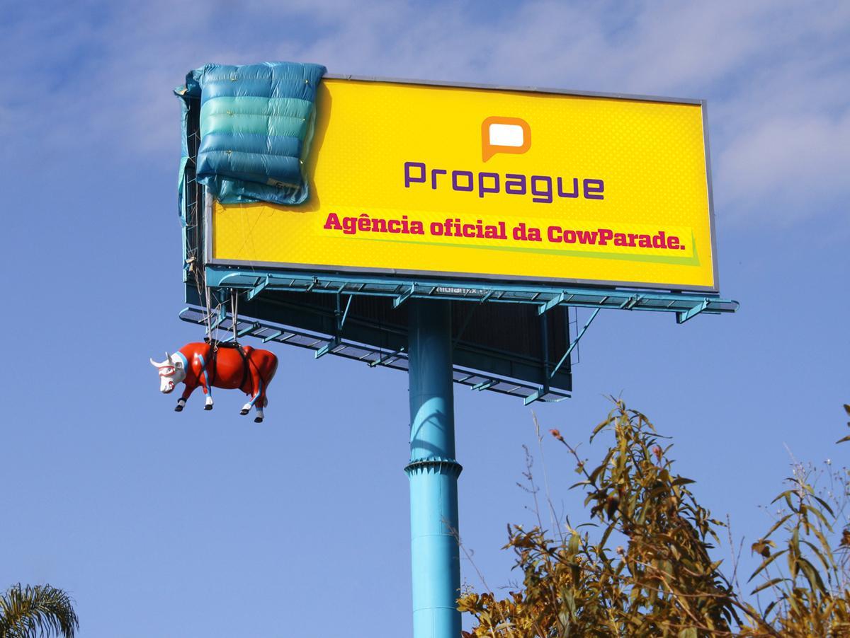 Propague Outdoor Ad -  Parachute