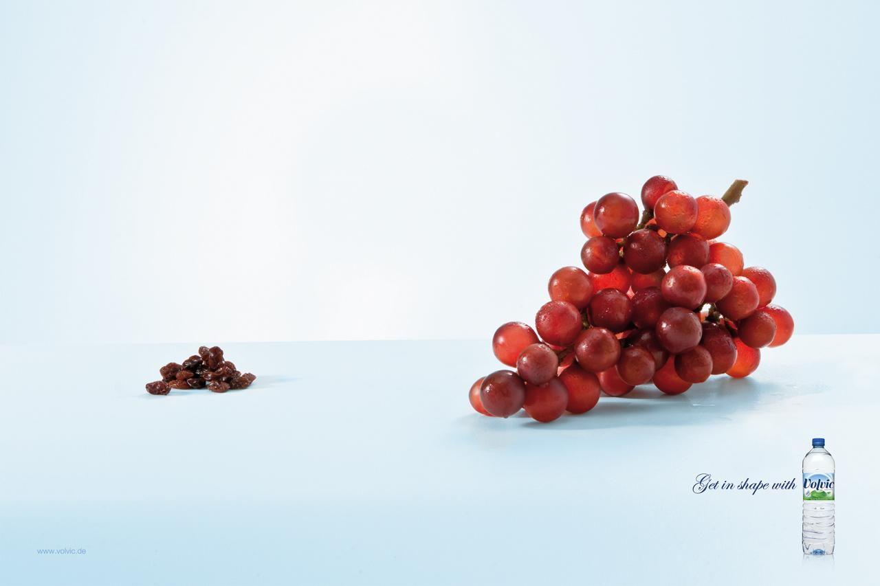 Volvic Print Ad -  Grapes