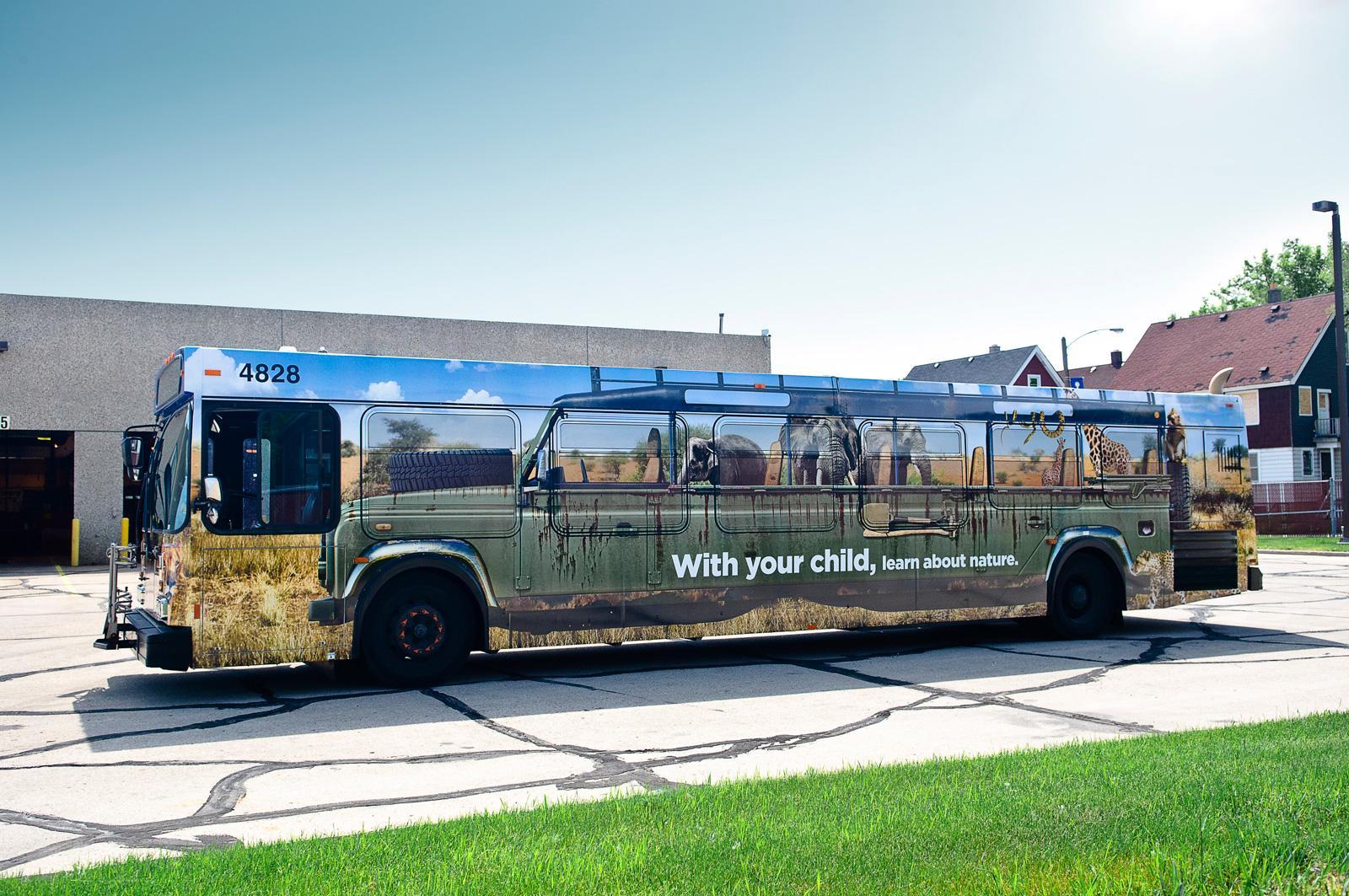 HIP Outdoor Ad -  Bus wrap safari