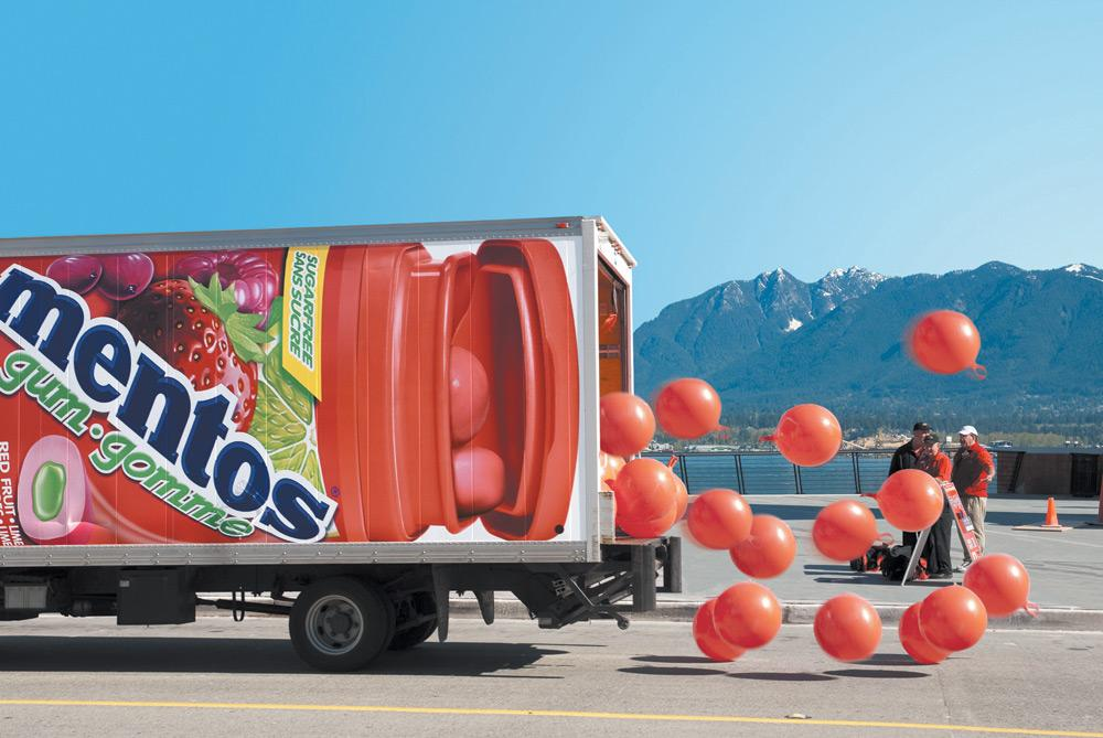 Mentos Ambient Ad -  Truck