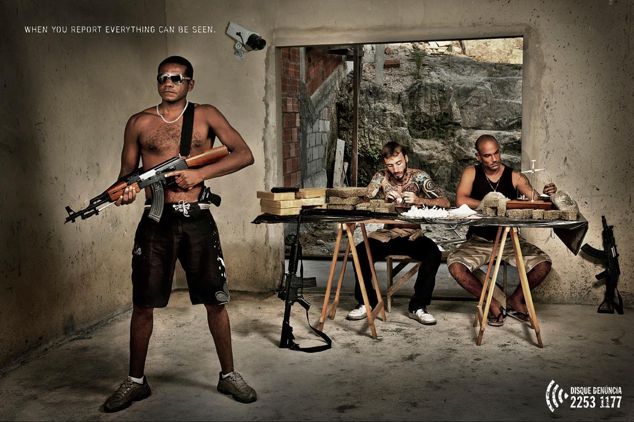 Disque-Denúncia Print Ad -  Slum