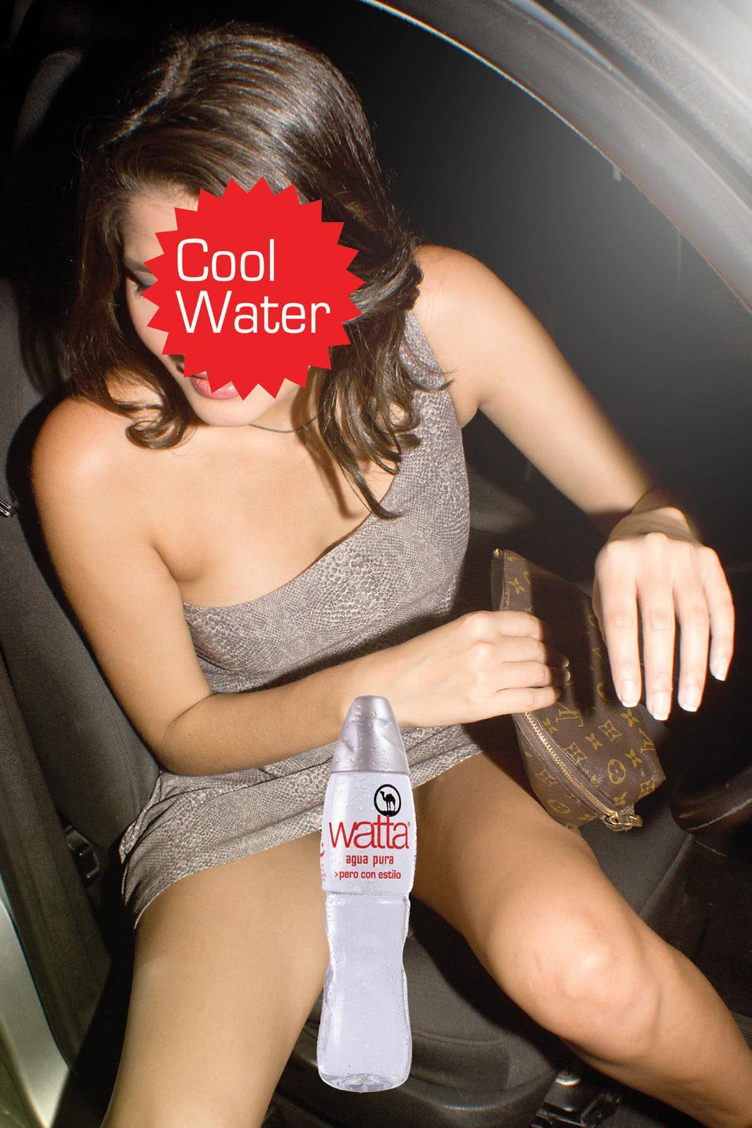 Pussy cambiar el agua desnuda
