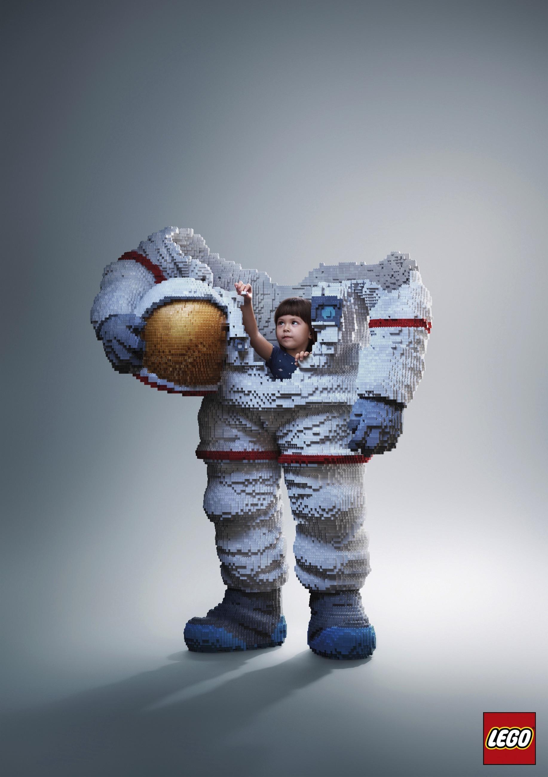 Lego Print Ad - Build the future, Astronaut