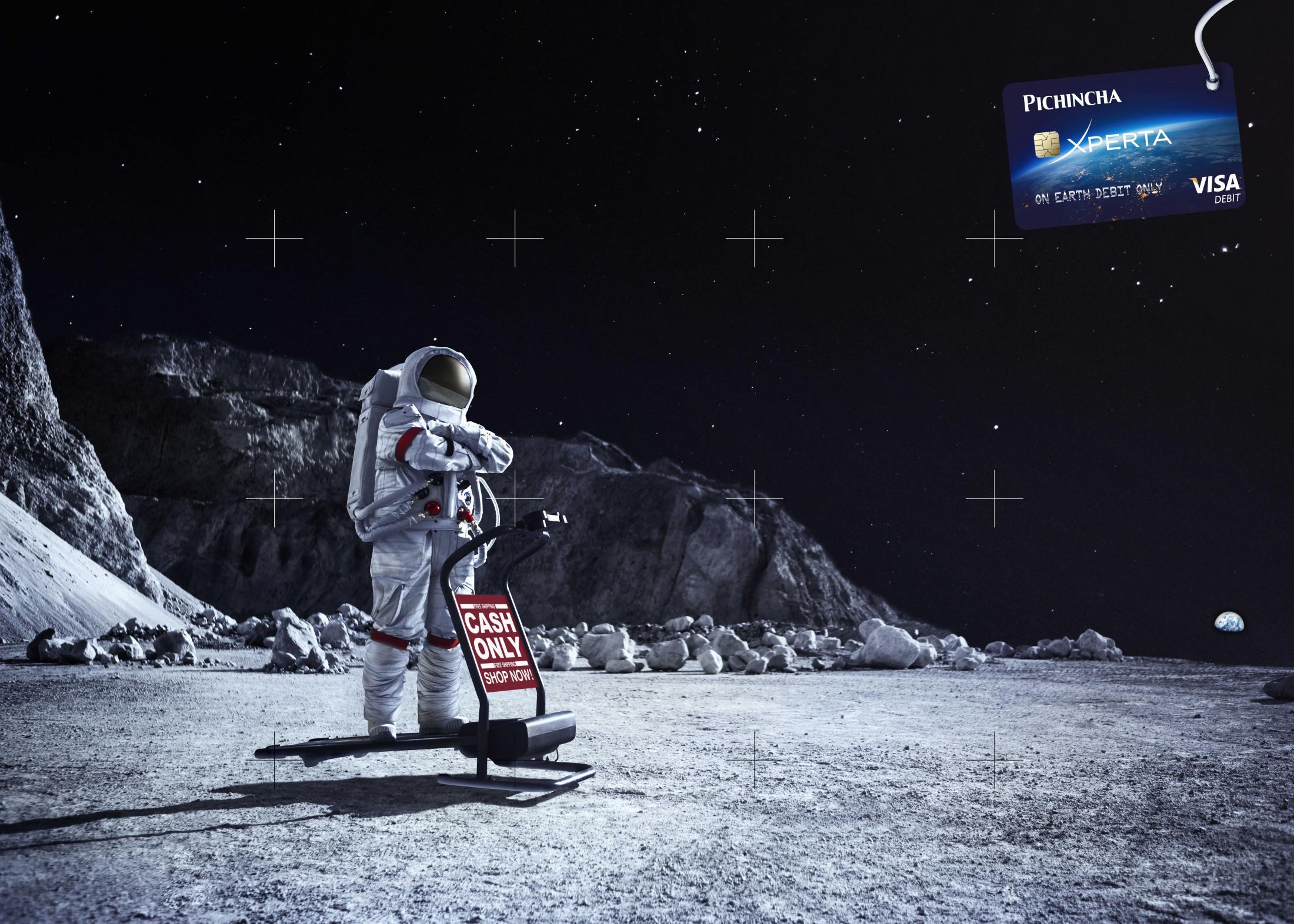 Banco Pichincha Print Ad - Moon