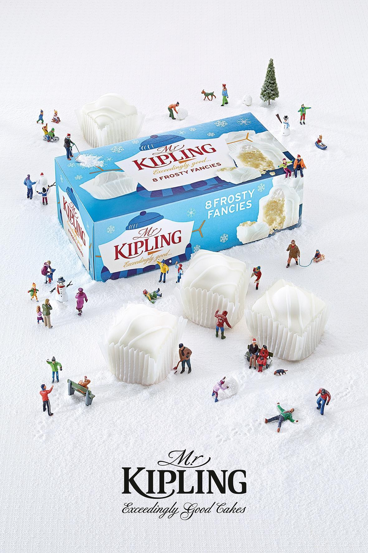 Mr Kipling Print Ad -  Snowball Fight